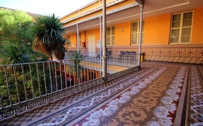 Una joya desconocida por muchos: el pavimento de cerámica Nolla del Asilo de San Juan Bautista