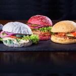 Abre Rainbow Burger Valencia: la hamburguesería con carnes exóticas y panes de colores