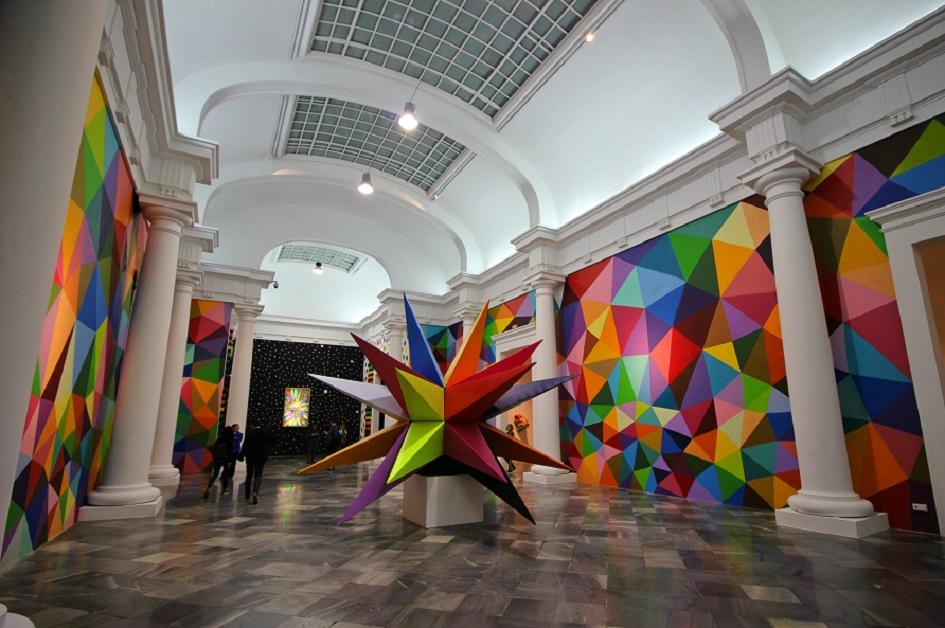 Okuda llena de color el Centre del Carme de Valencia con una exposición GRATUITA