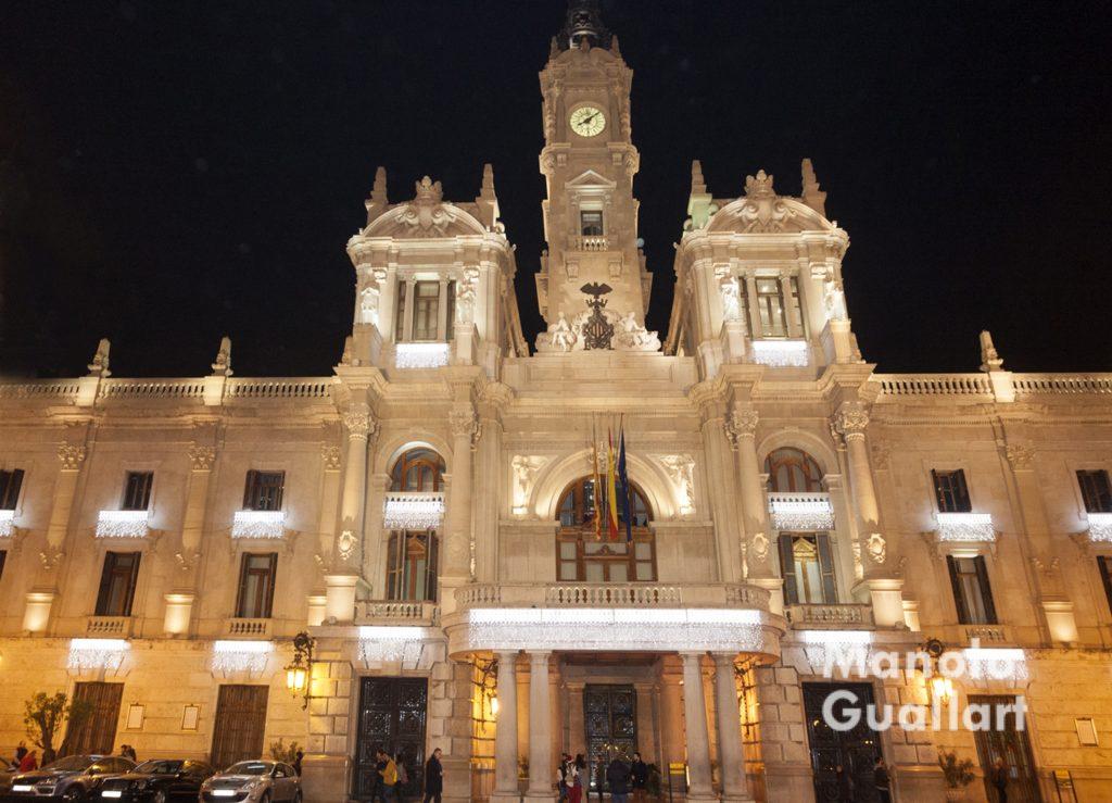 Valencia iluminada para las fiestas navideas  Valencia