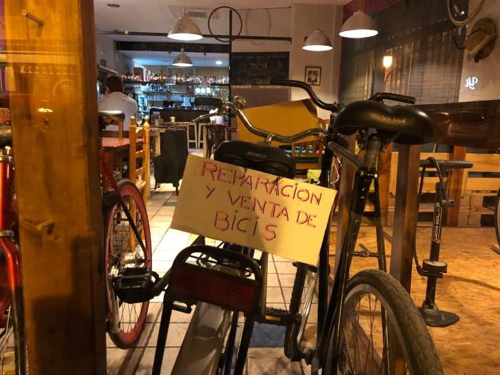 Dandy horse cafe_Cafe mit Kidnerspielecke_Valencia 1.jpg