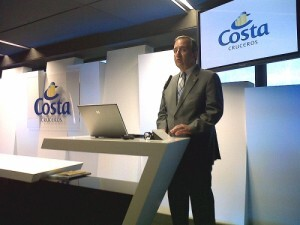 El director general de Costa Cruceros para España y Portugal, Bernardo Echevarria
