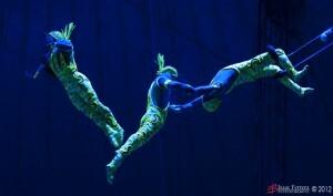 En el aire libran su juego los saltadores del Circo Mundial/isaac ferrera