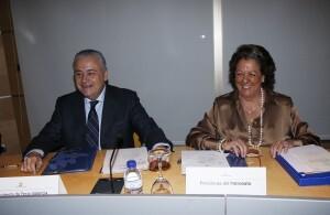 El presidente de la Feria, Alberto Catala, y la alcaldesa, Rita Barberá, en la reunión del patronato/pepe sapena