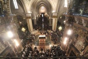 Vista panorámica de la Catedral en la Misa de las Familias/javier peiró