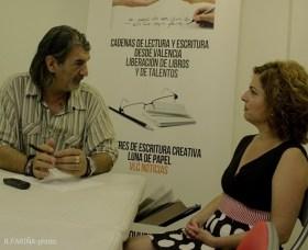 Montse Espinar durante un momento de la entrevista.