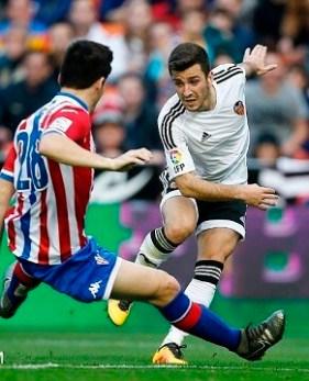 El Valencia CF salió muy concentrado y con las ideas claras pero no tuvo la suerte de cara. (Foto-Lázaro de la Peña).