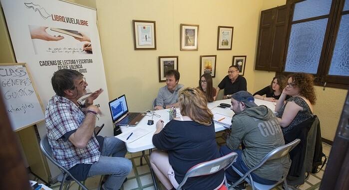 Los alumnos plantearon preguntas sobre las versiones de un mismo texto literario llevadas a la gran pantalla. (Foto-Manuel Molines).