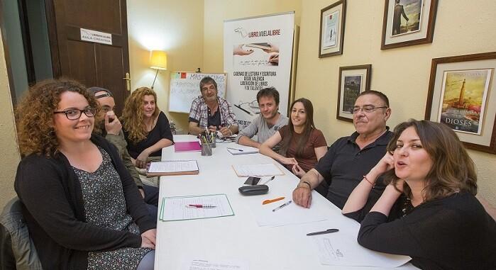 FotoFoto del grupo de asistentes tras la finalizar la clase. (Foto-Manuel Molines).