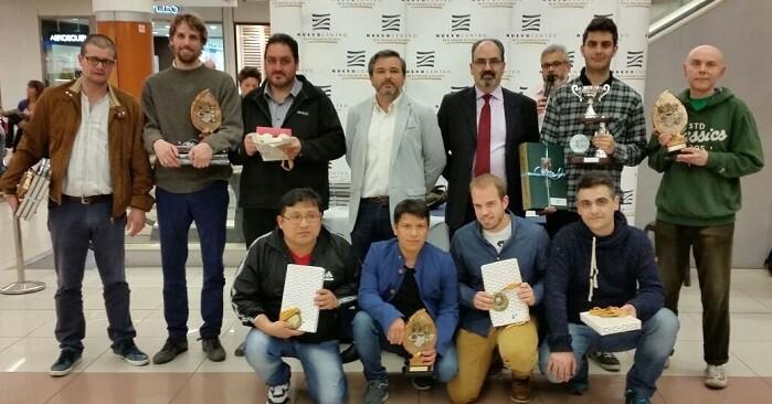 Los premiados del torneo.