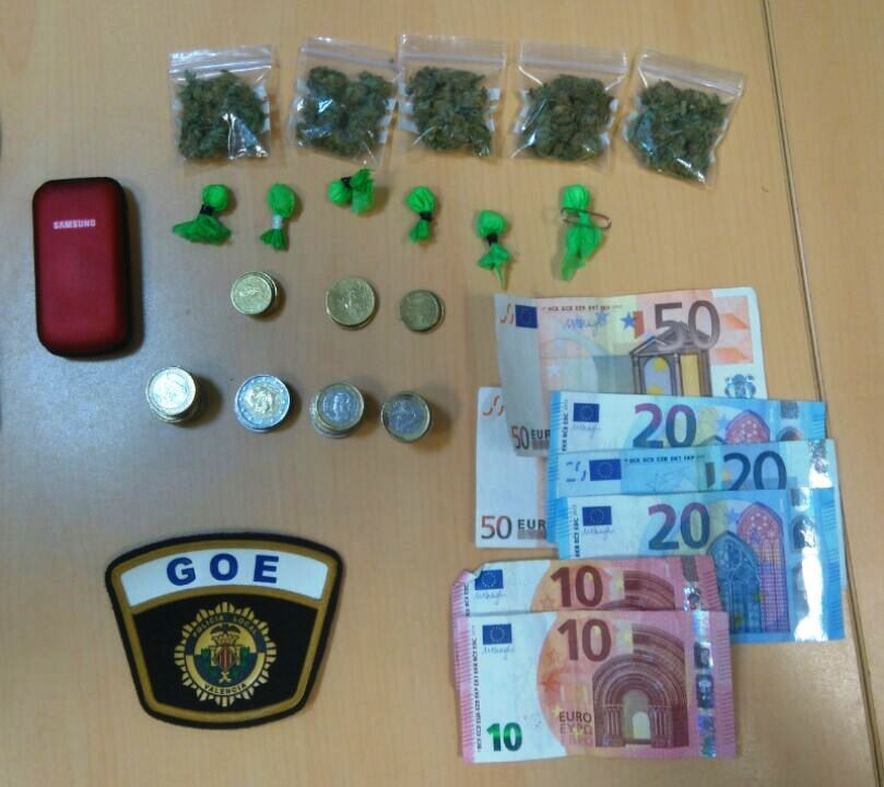 Detienido un hombre por un presunto delito tráfico de drogas