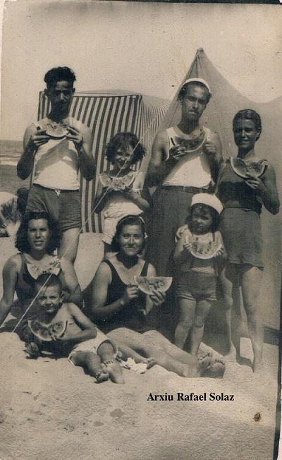 comiendo-sandia-en-la-playa-ca-1935