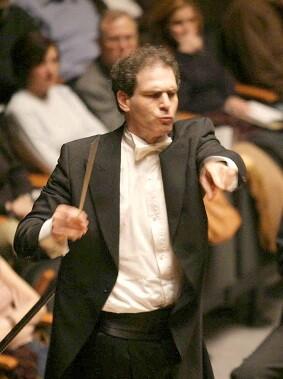 el-maestro-yaron-traub-deja-la-titularidad-pero-continuara-un-ano-vinculado-en-la-orquesta-de-valencia-como-director-asociado