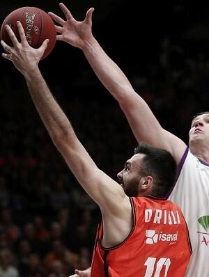 El Valencia Basket realizó un partido intenso y con garra.