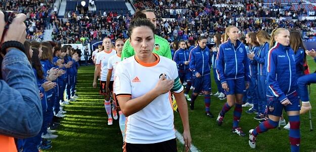 Isabel García, asistirá el 23 de abril al palco del estadio valencianista, en el que por primera vez jugarán el Valencia CF y el Levante UD femeninos. (Foto-Abulaila).