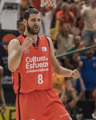 Gran triunfo del Valencia Basket. (Foto-Isaac Ferrera)