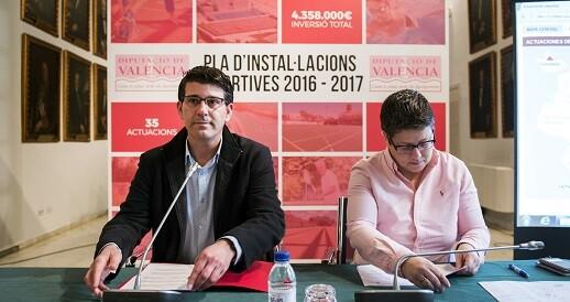 Jorge Rodríguez y la diputada Isabel García en la presentación del Plan de Instalaciones Deportivas.