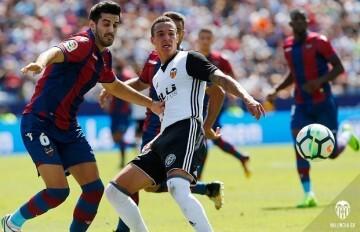El Valencia CF firma el empate con el Levante UD (1-1).