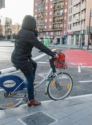 Carril bici Plaza Sanchis Guarner.