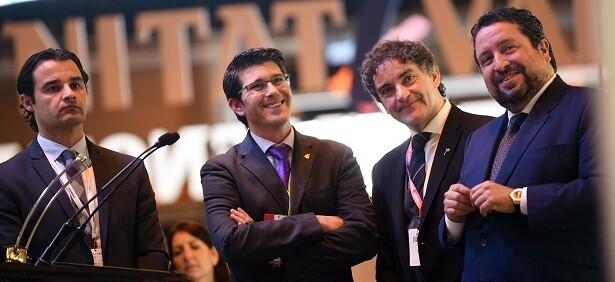 Rodríguez junto al secretario autonómico de la AVT, Francesc Colomer, el presidente de la Diputación de Castellón, Javier Moliner, y el vicepresidente de la corporación alicantina.