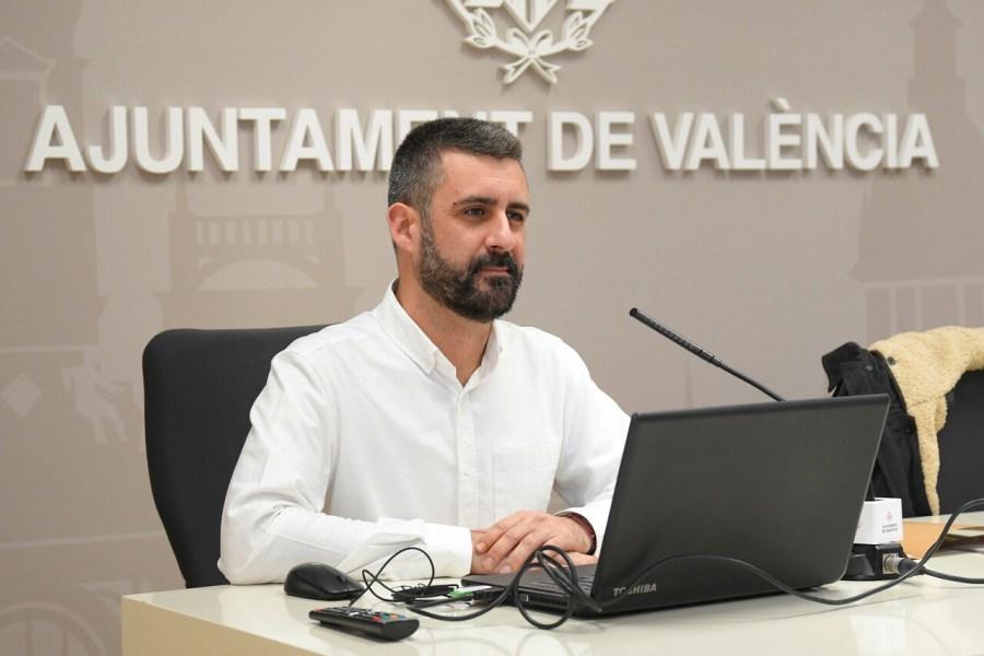 El regidor de Cultura Festiva, Pere Fuset, presenta en roda de premsa el Programa de Nadal 2018-2019. Sala de premsa municipal.