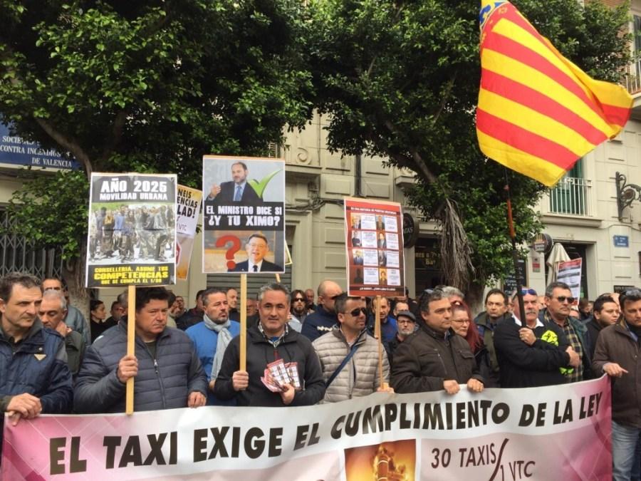 Los taxistas valencianos en pie de guerra (1)