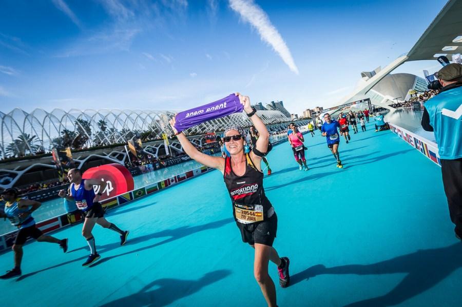 Mujer Meta Maraton