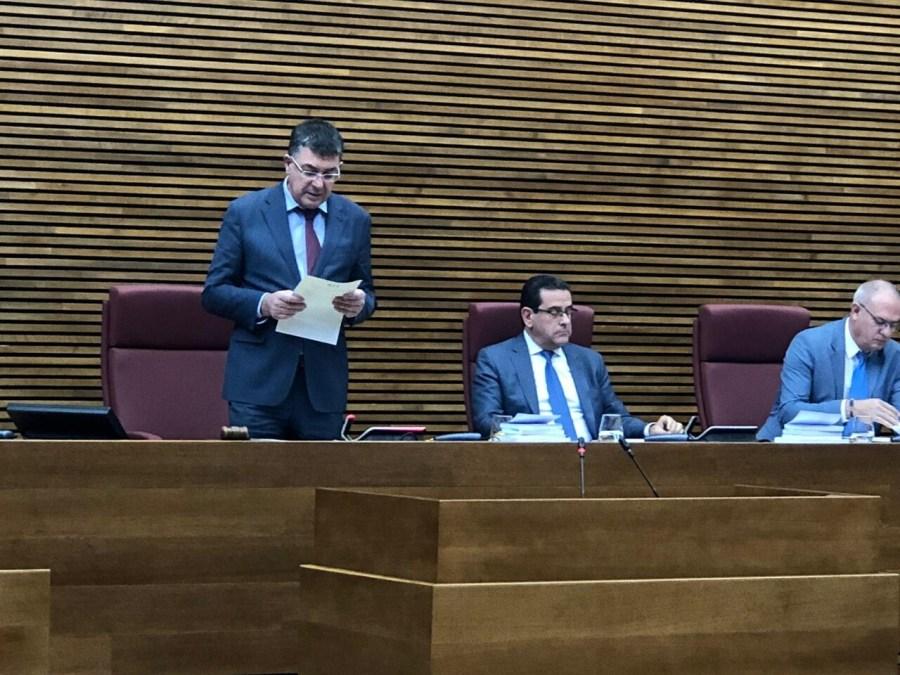 El Santo Grial permite la primera declaración institucional de Les Corts (2)