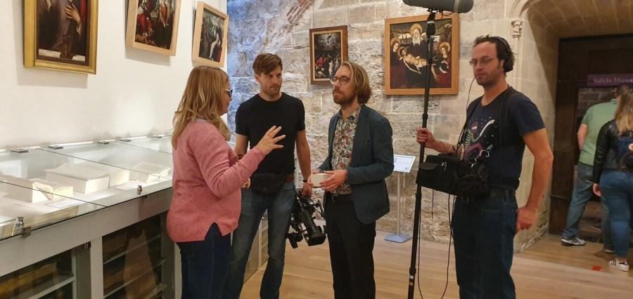 Una productora alemana graba en València del 24 al 26 de octubre un documental sobre el Santo Grial 20191024_103056 (2)