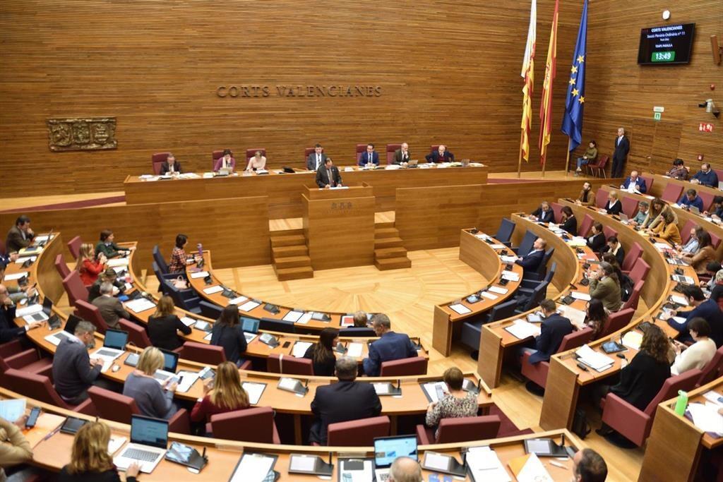 Les Corts rechazan devolver al Consell