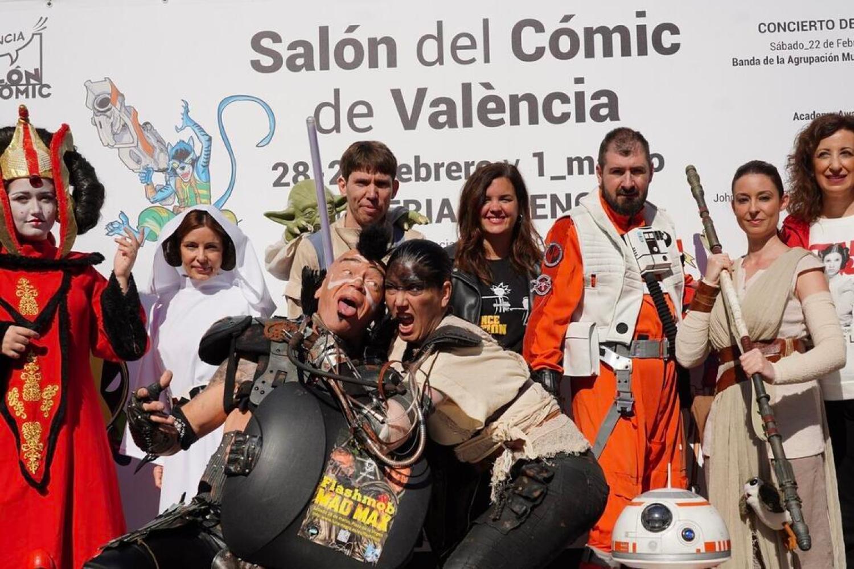 Las mejores BSO de superhéroes suenan en la Plaza de la Virgen de València en la antesala la próxima semana del Salón del Cómic en Feria Valencia (3)