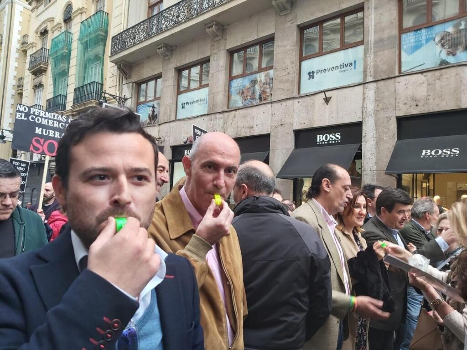 El diputado provincial Joaquín Alés con Pepe Gosálbez