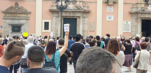 Valencia desafía las prohibiciones por George Floyd, el afroamericano muerto 20200607_110044(11)