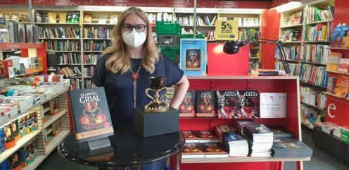 Firma de libros «El Santo Grial» en el Fnac por la Dra. Ana Mafé 20200717_175852(0) (Mediano)