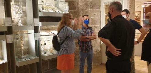 La Dra. Ana Mafé acompaña a la televisión francesa en busca de localizaciones para una grabación sobre el Santo Grial 20200706_090824 (28)