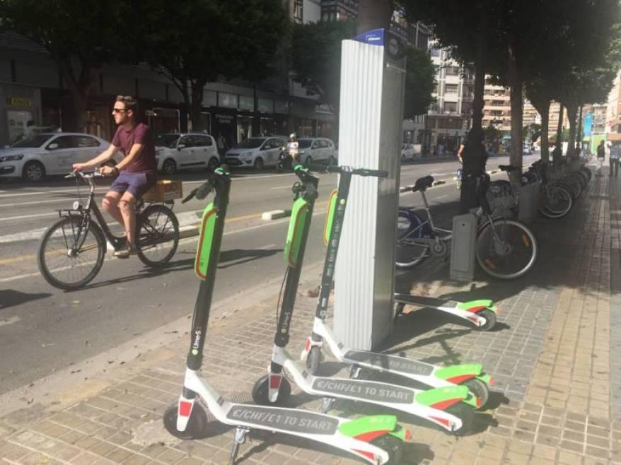 Resultado de imagen para centros de carga para scooters electricos