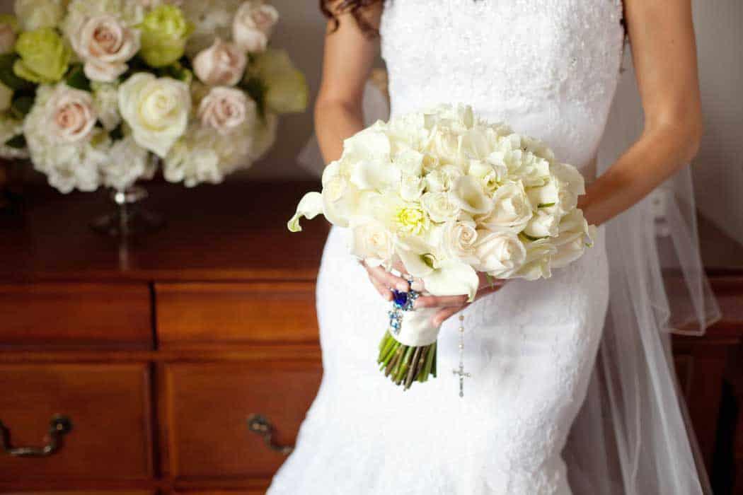 Valencienne_bridal_custom_bridal_design_flowers_floral