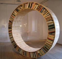 Libreria-circolare-oggetti-design