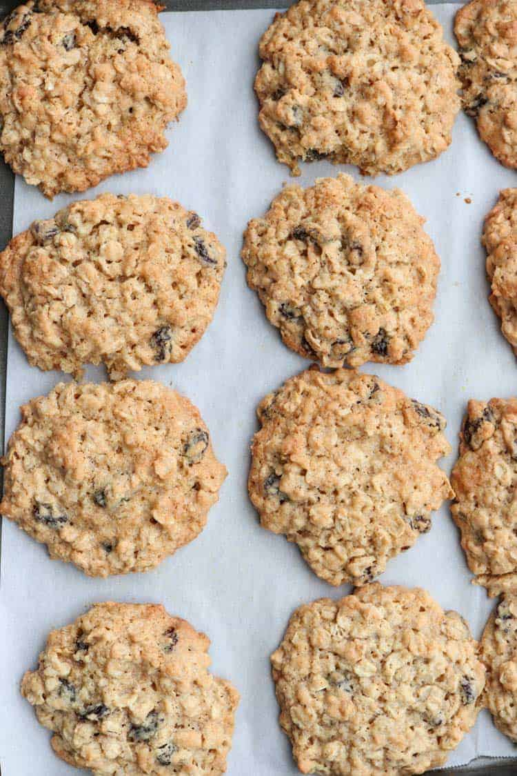 Recipe for the best oatmeal raisin cookies.