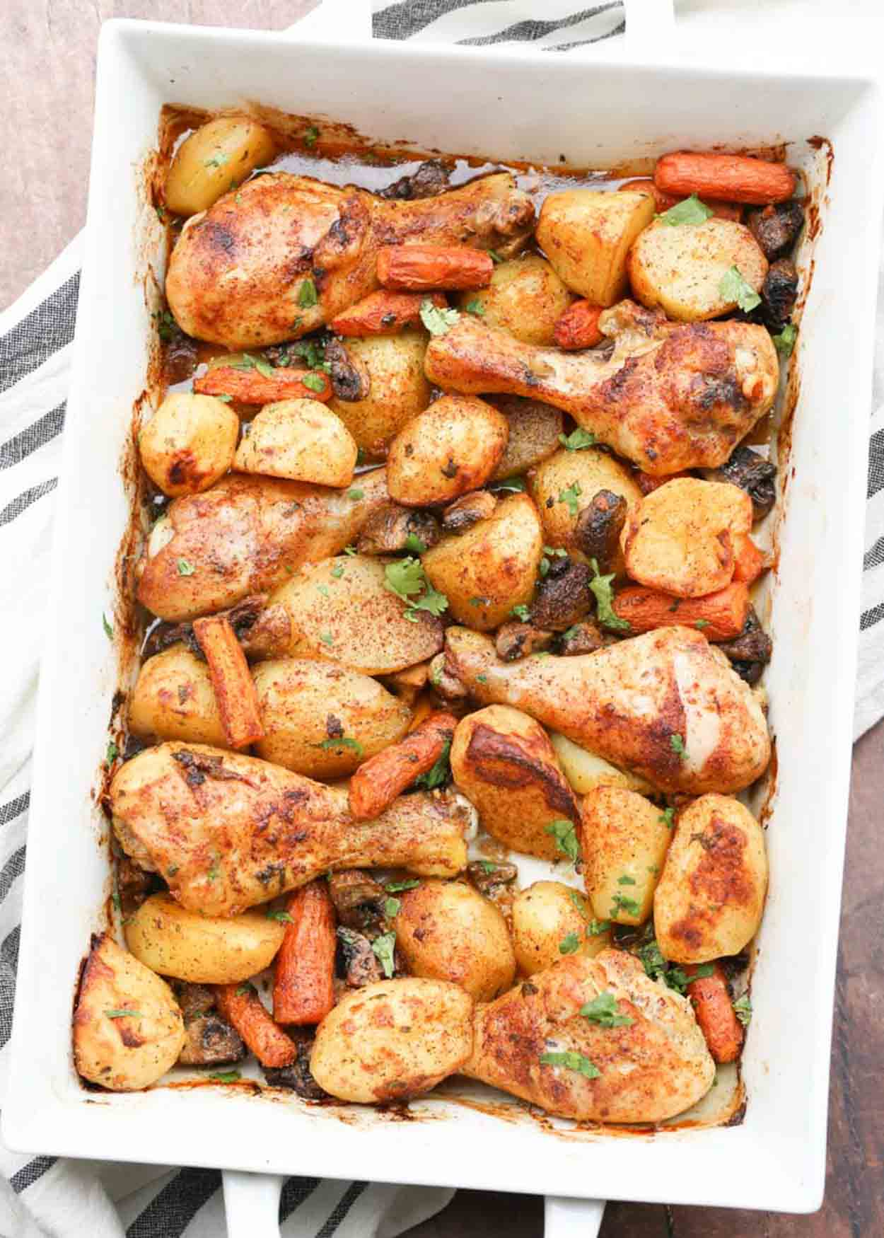 How to cook delicious chicken legs in an oven with a potato