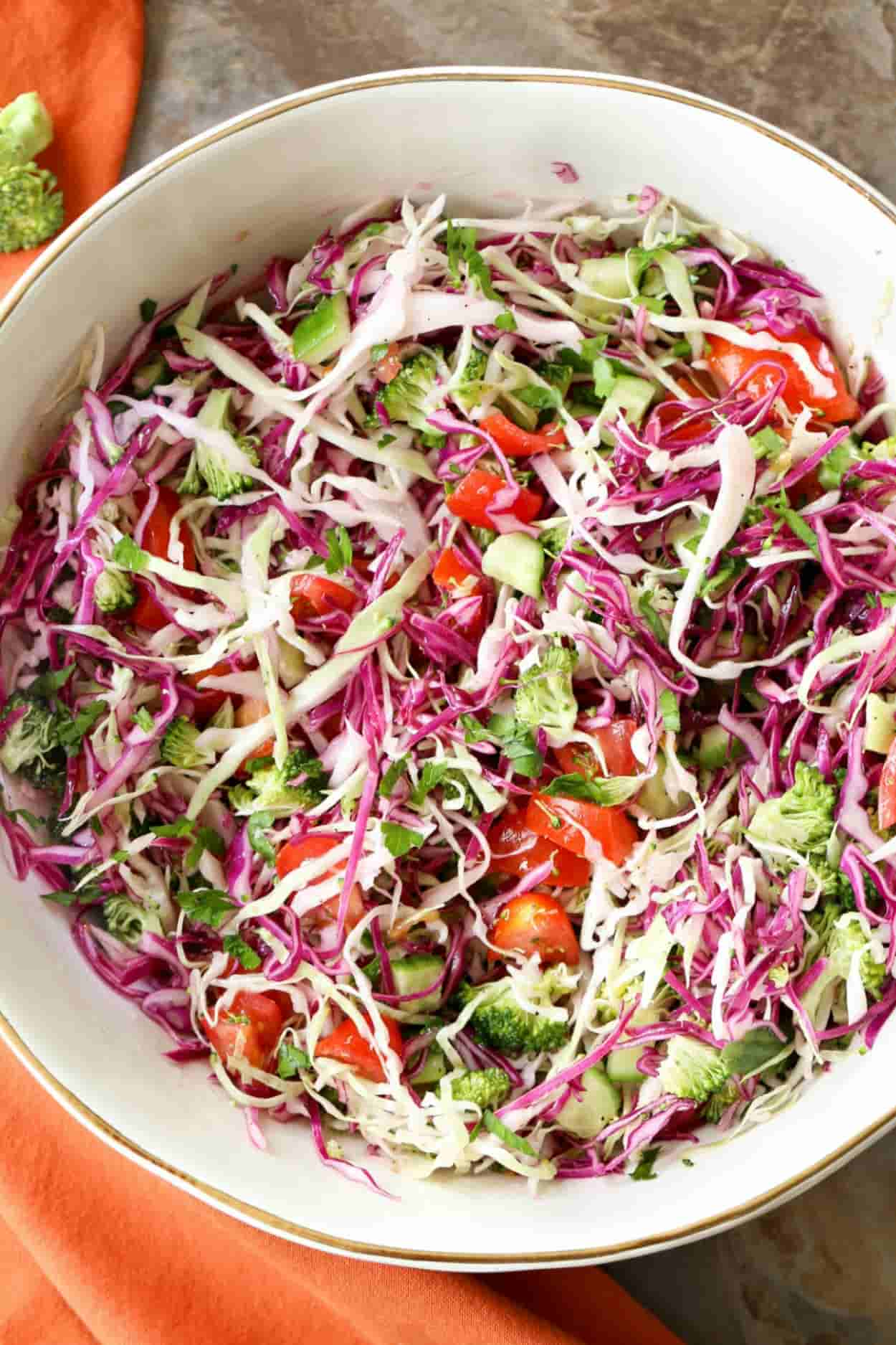 Salad with cabbage and corn: a variety of flavors