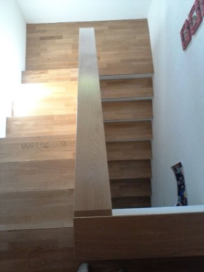 Cage d'escalier en parquet chêne massif