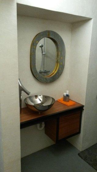 Meuble de salle de bain en acajou