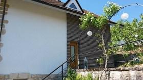 Angle de façade en bois de mélèze