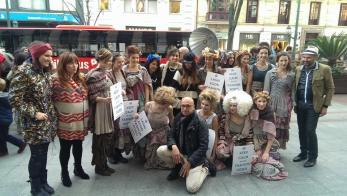 Fashion-Poses-Flashmob-Moda-Arte-Street-Show-Lucho-Rengifo-Bilbao