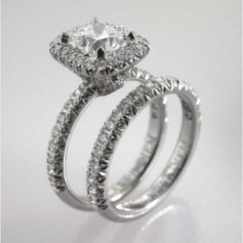 Valenzya Diamond Engagement Ring and Diamond Wedding Band