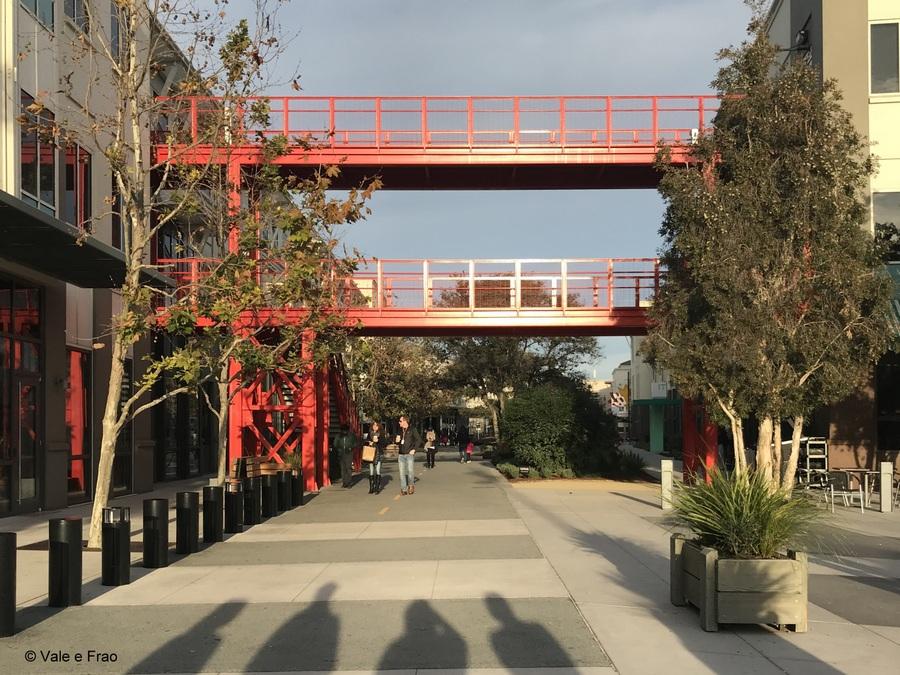 Visitare gli uffici di Facebook in California strada social network