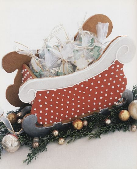 Cookie Craft gingerbread sleigh styled