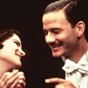 jennifer jason leigh as dorothy parker and campbell-scott as -robert-benchley
