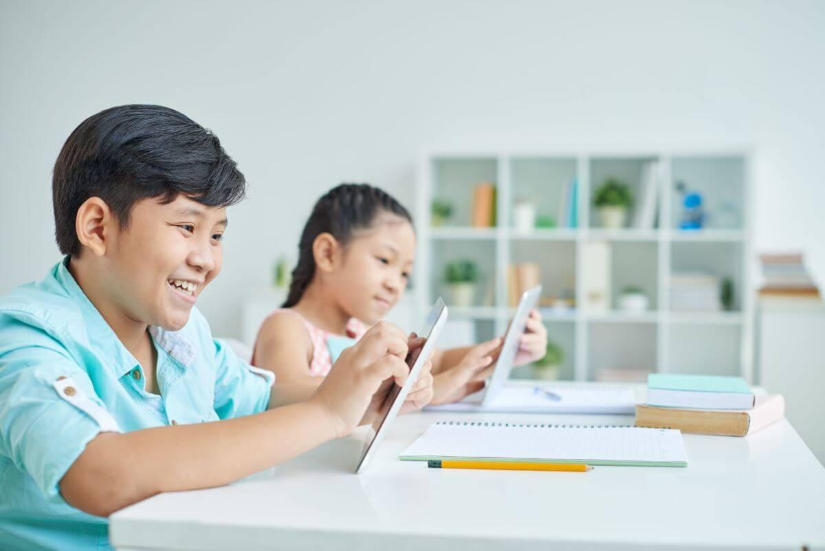 Aplikasi Untuk Belajar Berbagai Pelajaran Sekolah Online